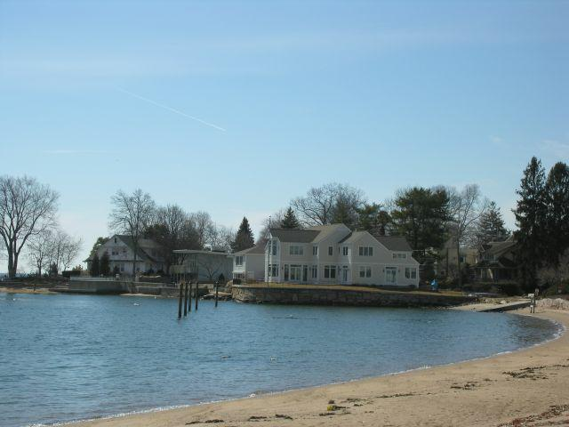 A Short Drive From The Center Of Branford Down South Montowese Street To Scenic Rt 146 Is Hotchkiss Grove Ct Waterfront Community