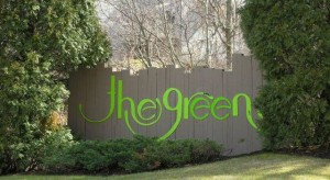 The sign to The Greens Condominiums in Branford CT